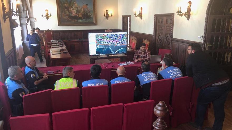 Presentación del plan a los agentes de la Policía Local.