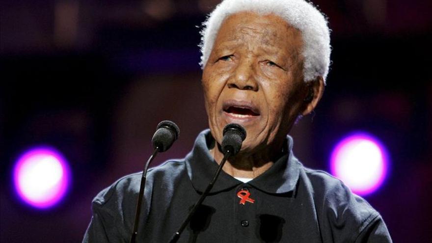 """Mandela se encuentra """"mucho mejor que cuando fue hospitalizado"""""""
