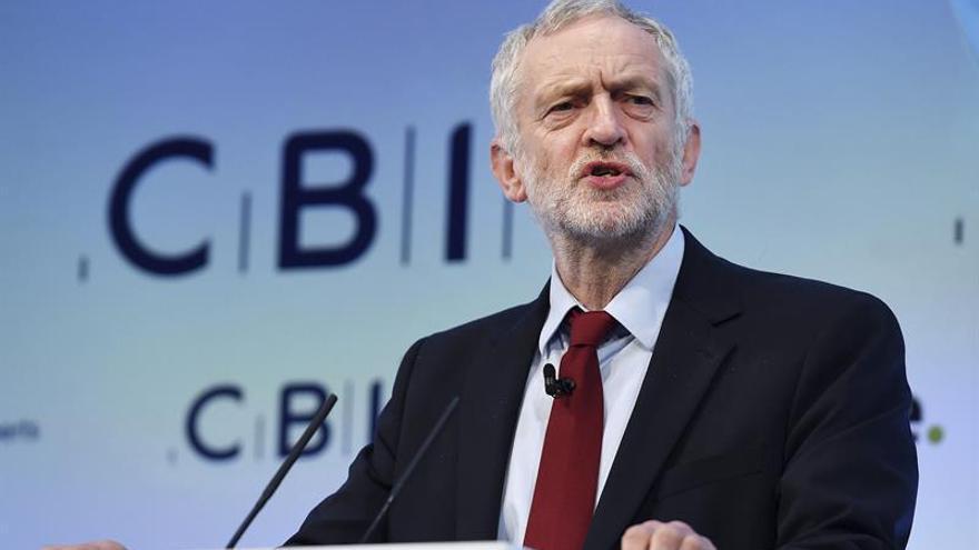 El líder laborista Jeremy Corbyn no asistirá al funeral de Fidel Castro