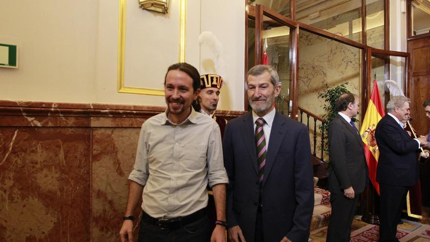 El exJemad junto a Pablo Iglesias.