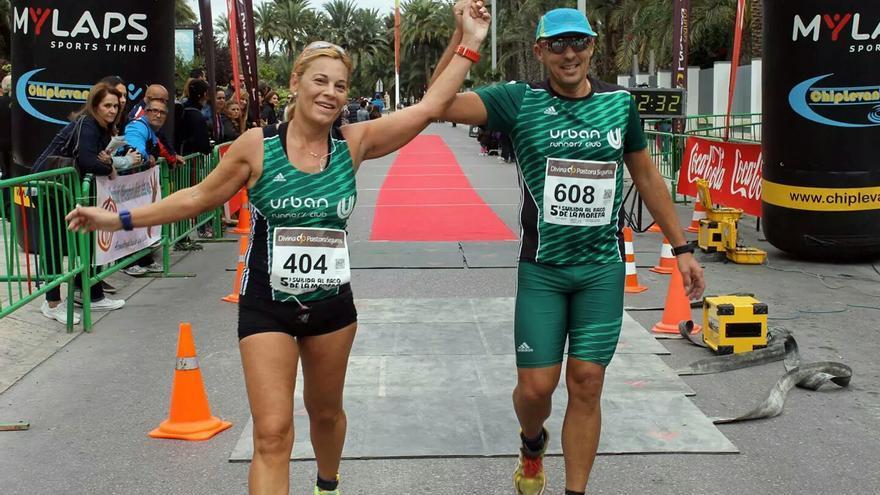 Mª Ángeles e Ismael en una carrera reciente.