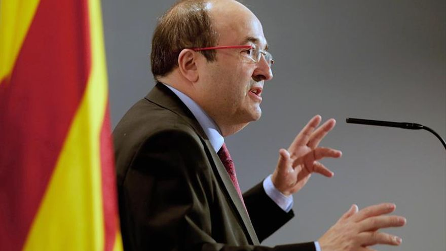 El candidato del PSC a la presidencia de la Generalitat, Miquel Iceta, en un acto de campaña / EFE