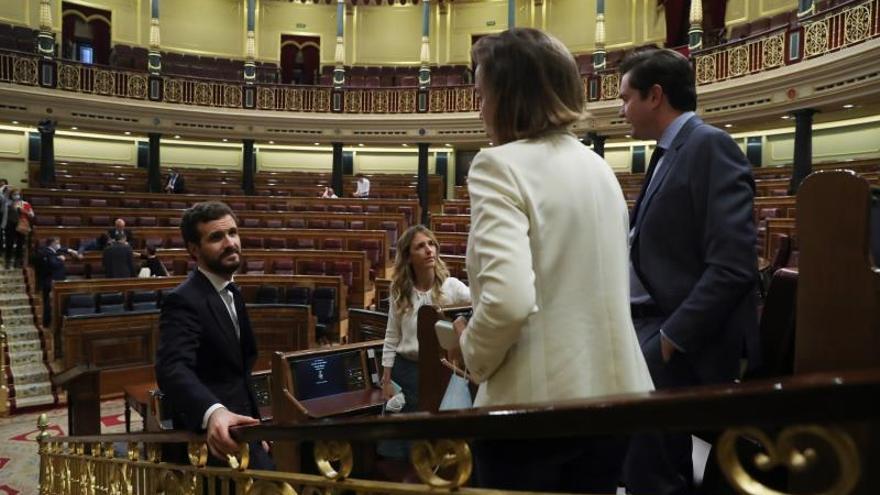 Casado, Álvarez de Toledo y otros diputados del PP, en uno de los últimos plenos del Congreso.