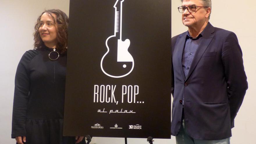 """La presidenta del Palau de la Música, GlòriaTello,i el director del Palau, Vicent Ros, en la presentació del nou cicle """"Rock, pop..., al Palau 2017""""."""
