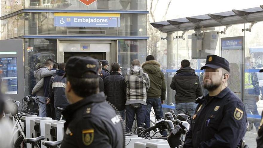 La Fiscalía pide 20 años para un inmigrante que mató a un policía al arrojarle al tren