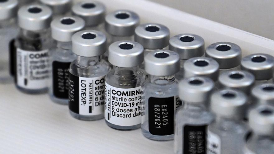 BioNTech y Pfizer piden autorización a la EMA para vacunar a adolescentes de entre 12 y 15 años