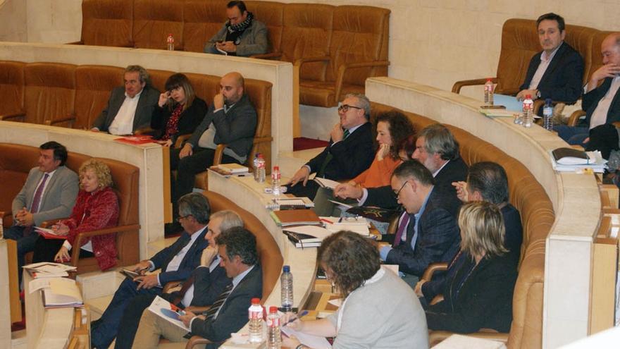 Ordóñez solicita el voto telemático para no acudir al pleno de presupuestos tras el regreso de Blanco