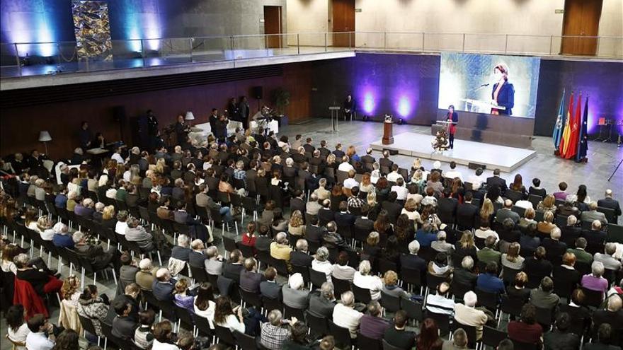 El Parlamento de Navarra homenajea a las víctimas del terrorismo