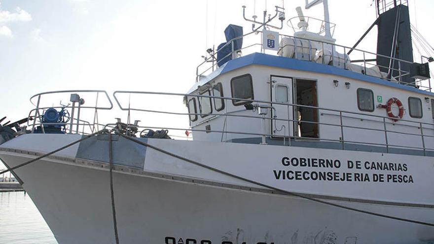 Uno de los barcos que recientemente hizo una expedición rumbo a la zona de las prospecciones. (Felipe de la Cruz/Diario de Lanzarote).