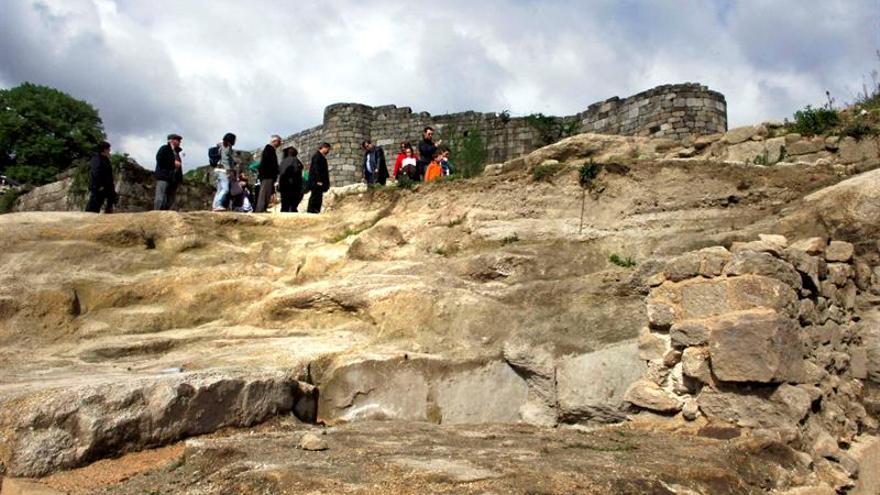 La CNMC recurre a la regulación de vivienda turística de Galicia y Castilla y León