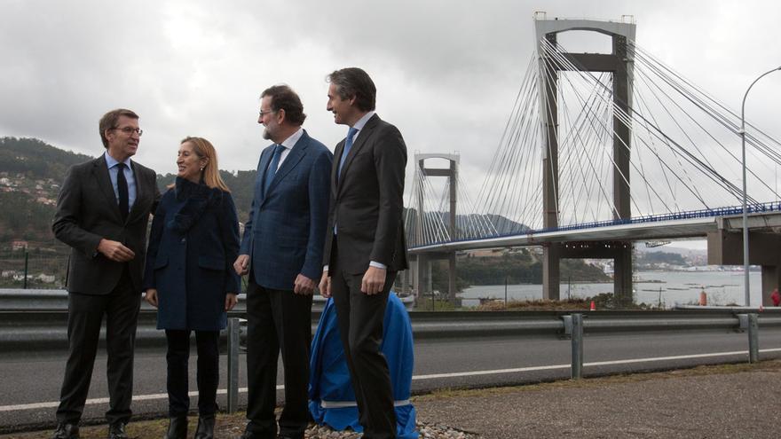 Feijóo, Pastor, Rajoy y De la Serna en la inauguración en diciembre de 2017 de la ampliación de la AP-9 en el puente de Rande