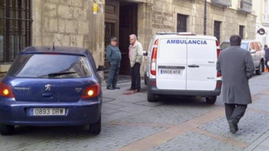 Los Vehículos En Los Que Han Llegado Crespo Y Correa Al TSJCYL