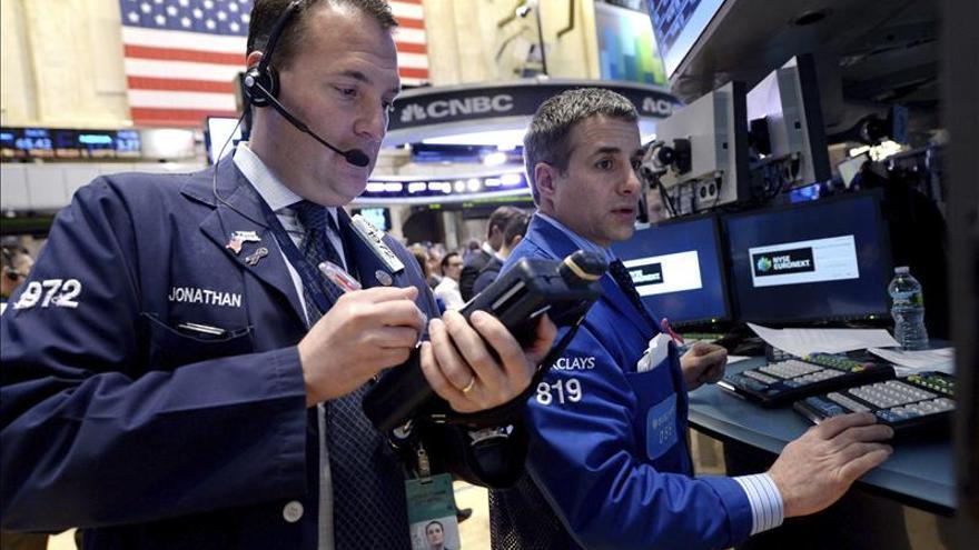 Wall Street abre a la baja y el Dow Jones cede un 0,18 por ciento