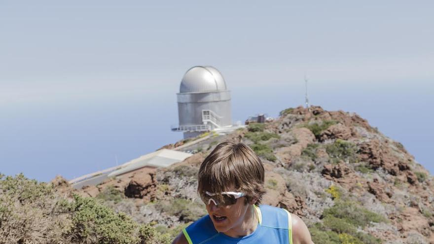 Imagen de archivo de Xavier Thévenard, a su paso por el Roque de Los Muchachos, durante su participación en Transvulcania 2013. Foto: Miguel Ángel López Galán / Transvulcania.
