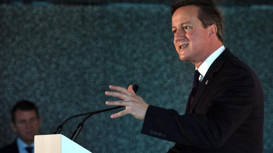 Cameron busca limitar los beneficios sociales para controlar la inmigración