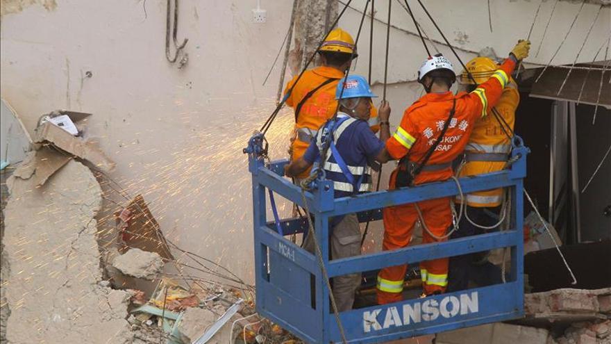 Aumentan a 16 los muertos por el derrumbe de un edificio en suroeste de China