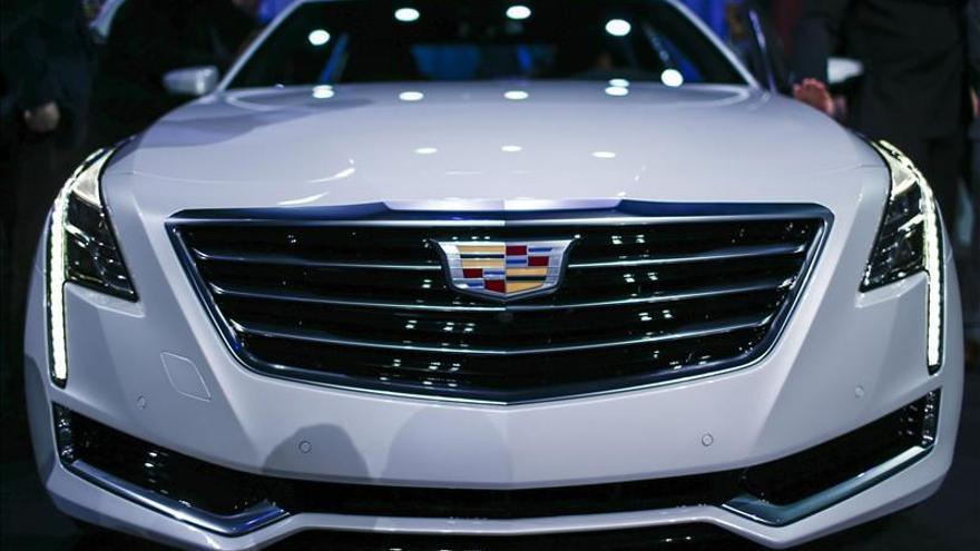 Cadillac lanzará su primer sistema de conducción semiautónoma en 2016
