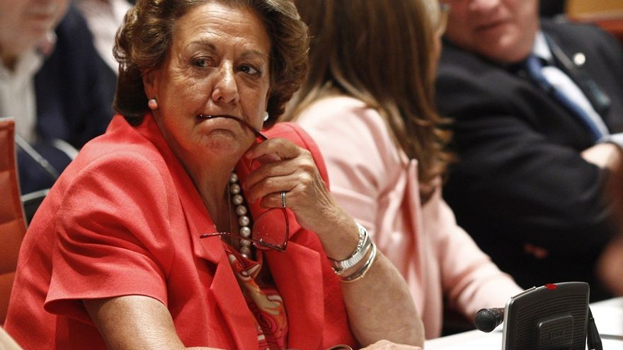 Rita Barberá se estrena ante en el Pleno del Senado en el último debate de la legislatura