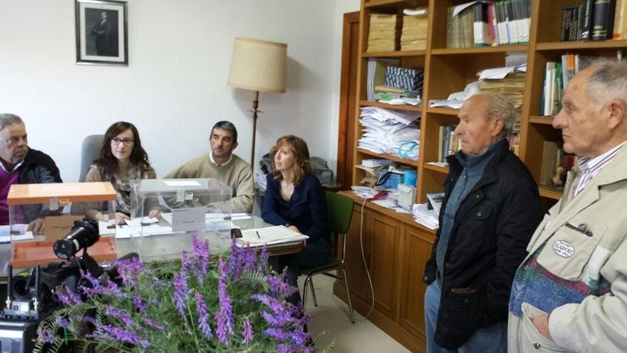 El municipio riojano de Villarroya cierra las urnas a las 9.02 horas