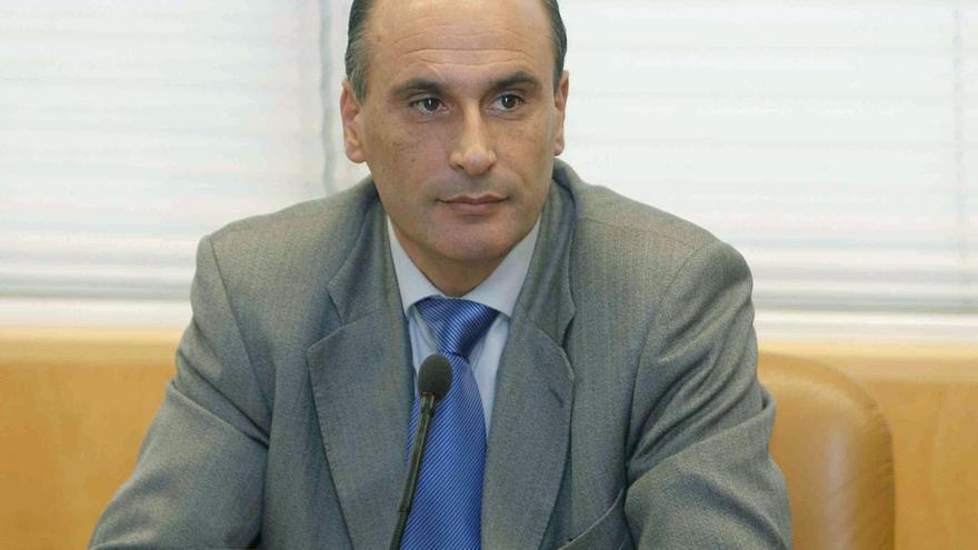 El exdirector de Seguridad de la Comunidad de Madrid y principal acusado del caso Espías, Sergio Gamón, en febrero de 2009 / Chema Moya \ EFE