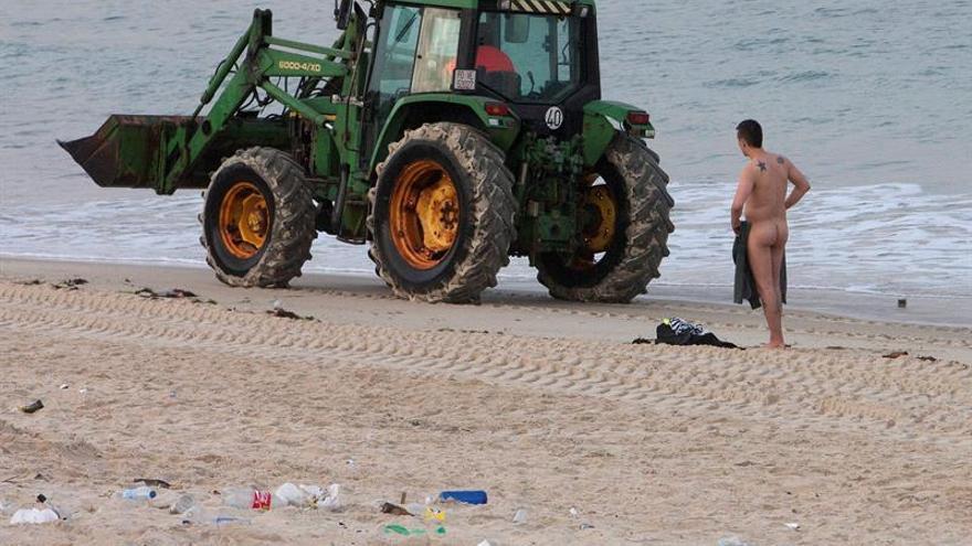 Arranca una campaña de retirada de basura en 70 playas de 23 provincias
