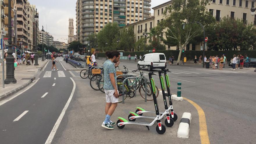 En Valencia, el Ayuntamiento ha ordenado la retirada de los patinetes eléctricos de alquiler