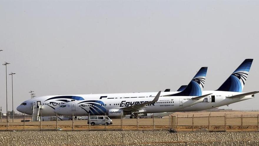 Egyptair asegura que su avión desapareció tras entrar en territorio egipcio