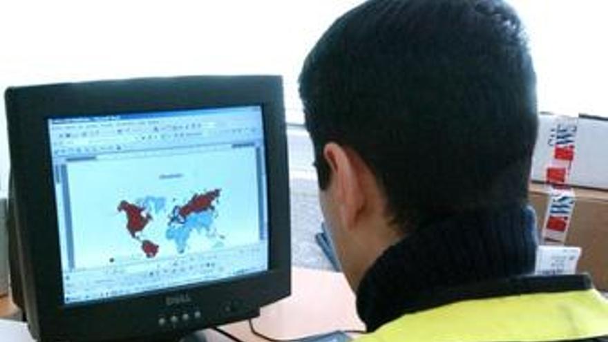 La Policía dedica muchos esfuerzos a controlar la pornografía en Internet. (EUROPA PRESS)