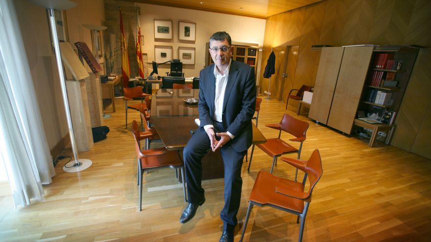 Enric Morera, en su despacho en las Corts Valencianes.