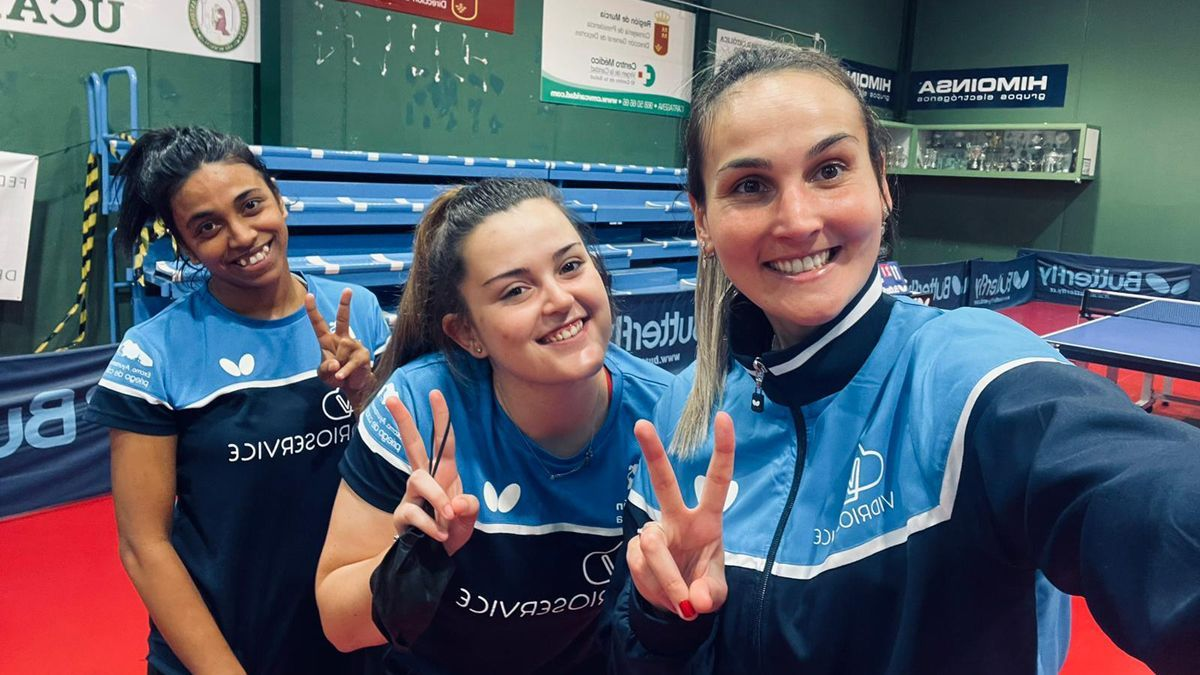 Jugadoras del Vidrioservice tras ganar al Balaguer