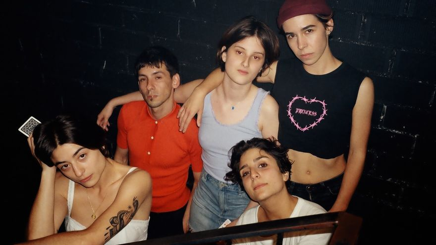Integrantes de Queer That, la boy band hetero gay ganadora del Sarao