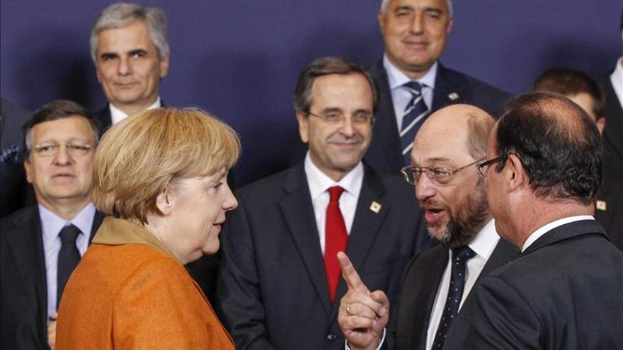 Merkel, Hollande y Barroso analizan con empresas cómo mejorar competitividad