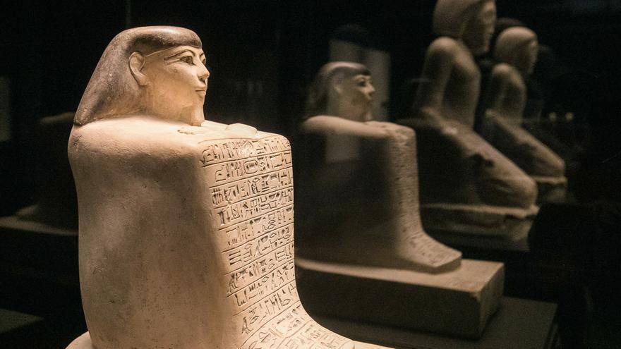 'Faraón', la muestra que profundiza en el simbolismo de la monarquía egipcia