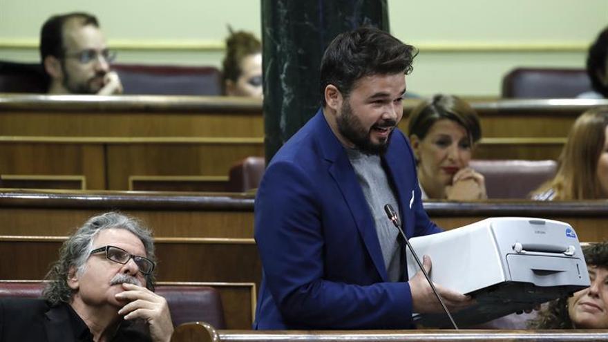 """S.Santamaría reprocha a Rufian sus """"teatrillos"""" y la """"tiranía"""" del Parlament"""