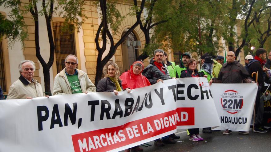 Manifestación por el 28F frente al Teatro de la Maestranza