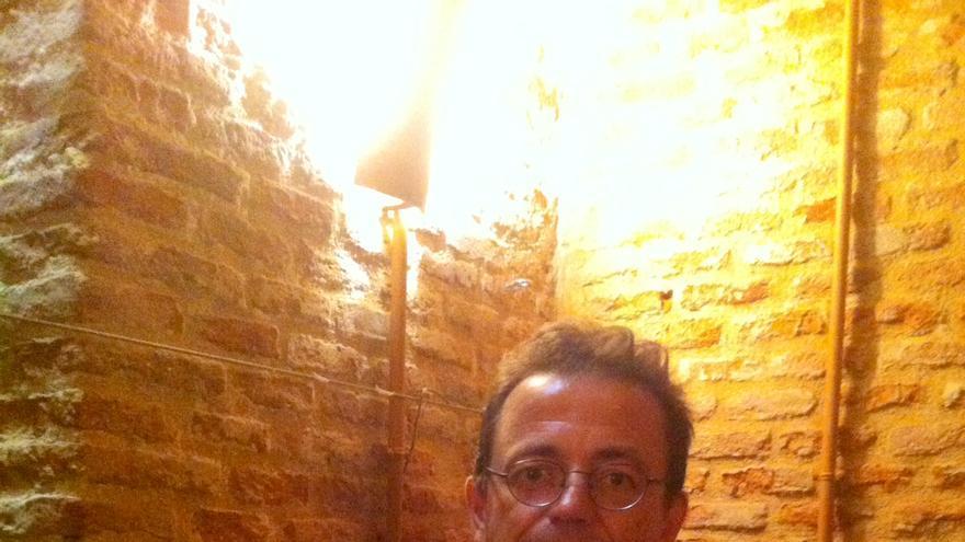 """Víctor Sampedro, en la presentación de """"El Cuarto Poder en Red"""" en la librería La Central, Madrid. Foto: Y.Q."""