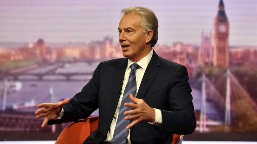 Blair propone permanecer en la UE pero renegociar las normas de inmigración