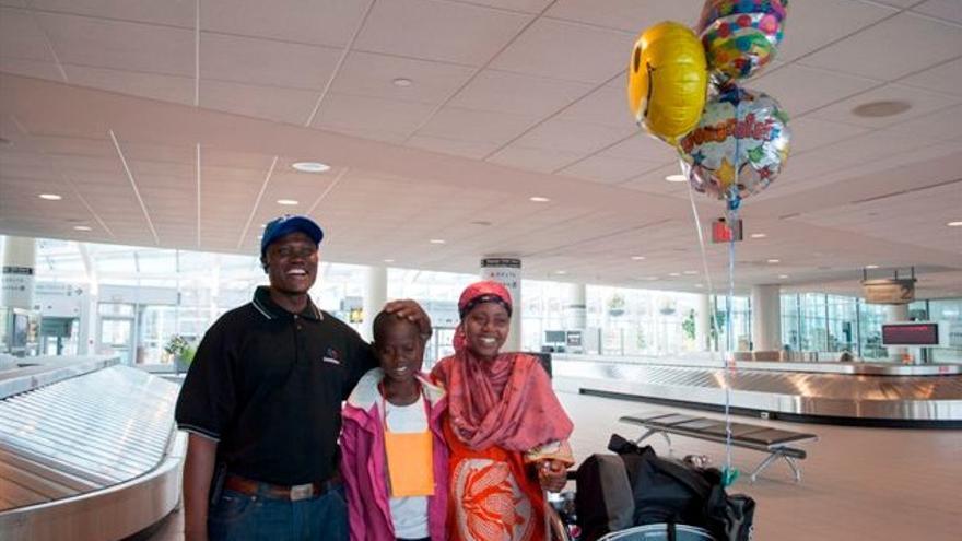 Abdi junto a su familia. Foto: ACNUR/C.Chesley