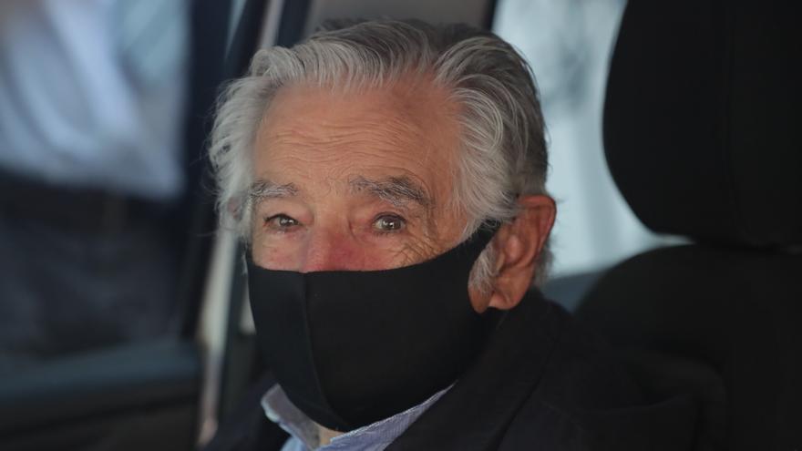 """Mujica está """"bien"""" tras la endoscopia en la que se halló una úlcera en el esófago"""
