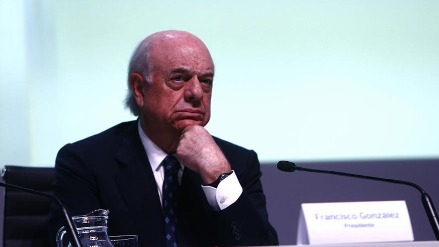 """González (BBVA) afirma que los bancos deben jugar """"un papel fundamental"""" en la educación financiera"""