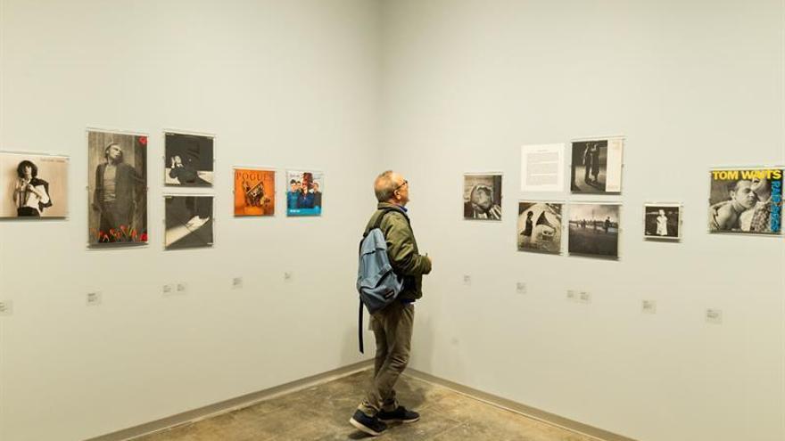 """La muestra """"Total Records"""" explora la íntima relación entre fotografía y música"""