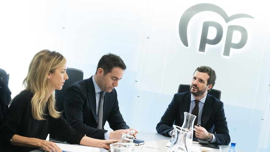 Cayetana Álvarez de Toledo, Teodoro García Egea y Pablo Casado, en una reunión del PP.