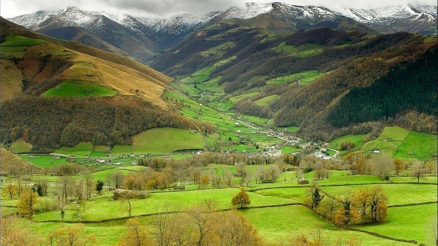 Gobierno y Valles Pasiegos trabajarán en acciones para consolidar el desarrollo turístico de la comarca