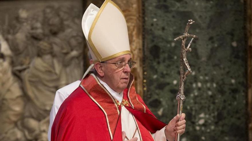 El papa da el pésame al patriarca copto por la ejecución de egipcios en Libia
