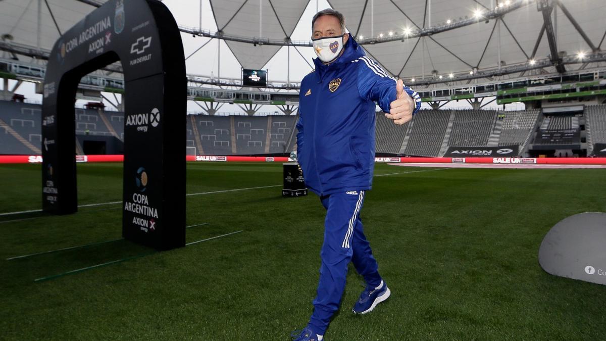 El técnico de Boca celebró la victoria ante el clásico rival.