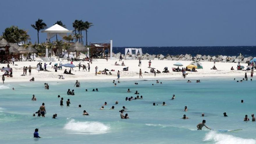Aerolínea española abre vuelo directo de Madrid a Cancún
