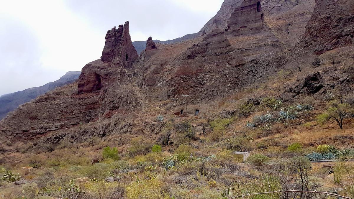 Formaciones geológicas en el Barranco de Guayadeque.