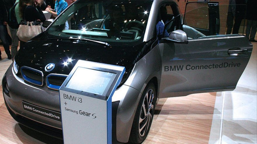 Vodafone ha firmado un acuerdo con BMW para facilitar la conexión a sus vehículos