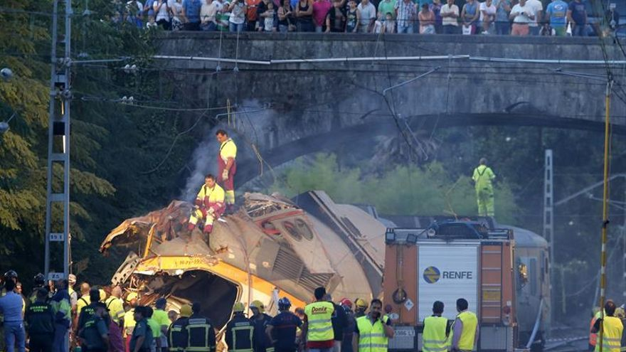 Los comités de Renfe y Adif remiten a los informes y evitan especular sobre el accidente