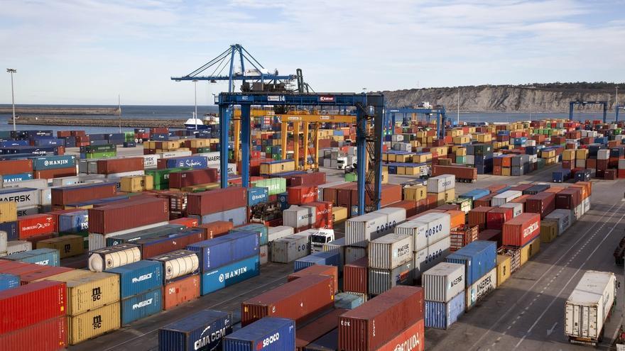 Los estibadores de los puertos anuncian movilizaciones en contra la reforma del sector